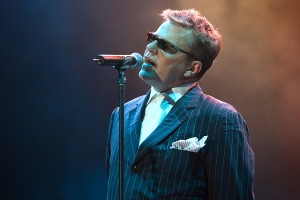 suffolk-commerical-photography-concerts-music-suggs-madness-england-studios
